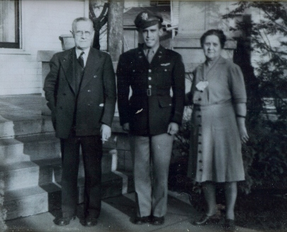 Hiram, Darnaby and Alma Wilhoit (1)